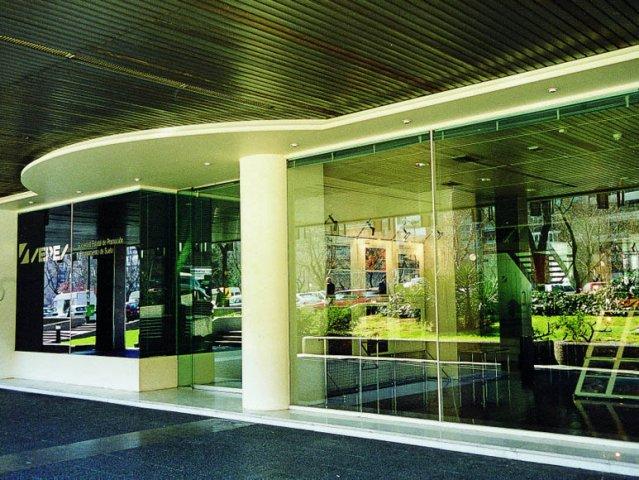 Imasatec construcci n oficinas y hoteles for Oficinas de seur